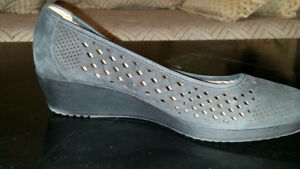 Naturalizer Women's Wedge Shoe, Size 9.5