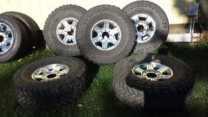 """Dodge 17"""" Rims With Toyo M/T Open Country 37""""X13.50R17LT"""