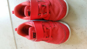 Toddler red nike shoes size 8