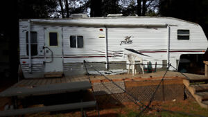 2005 5TH WHEEL TRAILER (PUMA)