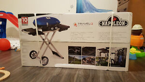 Barbecue Napoleon Travel Q sur chariot, Neuf