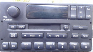 Ford 2002 Deck ( stereo )