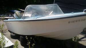 Boat 14 foot runabout