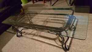 Glass Coffee Table in excellent condition! Cambridge Kitchener Area image 2