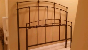 Headboard/Footboard for full or double bed.