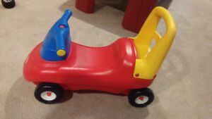 Raceway rode-on toy