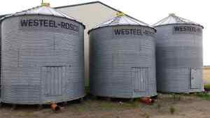 Grain bins with areation