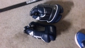 Bauer Vapor Hockey gloves.