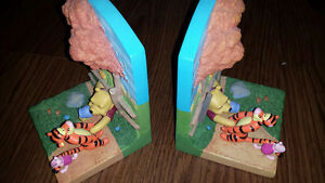 WINNIE THE POOH Ceramic Bookends and bonus PLUSH Pooh Book