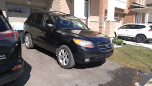 2007 AWD 7 seater Black Santa fe limited edition..all leather.