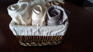 Brand New Basket of 10 Towels - for sale ! Kitchener / Waterloo Kitchener Area image 3
