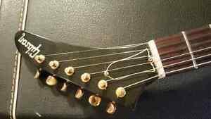Gibson 76LE Explorer
