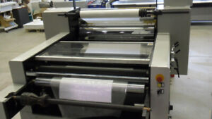 """YFML Laminator 32""""x41"""" Best Offer New Less then 20 hours on it"""