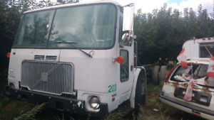 $3000 .Volvo diesel automatic push bouton for sale/trade