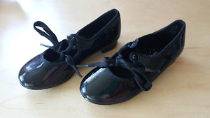 Tap shoes, size 9 1/2 child.