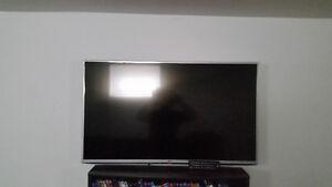 """43"""" LG LED HD TV"""