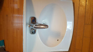 18 inch bathroom sink with taps