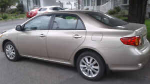 Toyota camry 2010 (comme neuf)