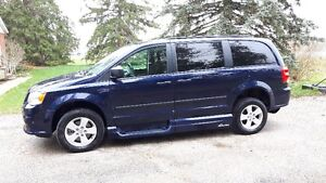 2015 Side Entry Wheelchair accessible Dodge Grand Caravan