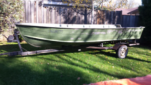 $2200 16 ft starcraft older boat, trailer motor and accessories