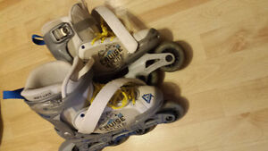 almost new boys shoes sizes 4-6 Stratford Kitchener Area image 2