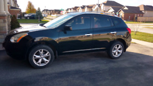 2010 Nissan Rogue SUV - Sunroof, winter tires