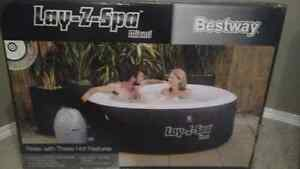 Inflatable lay-z-spa