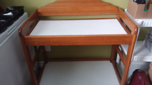 Change table for baby diapers
