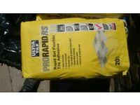10 bag of 20 kg Prorapid RS tile glue available