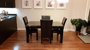 Faux Marble Dining Table + Chairs! Great Condition!