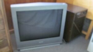 Sanyo t.v. with remote