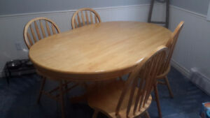 Dining Table and 4 Chairs.  Solid Wood !!