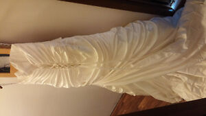 wedding dress never worn!!! Moose Jaw Regina Area image 2
