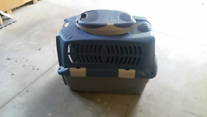 Dogit deluxe dog cargo crate
