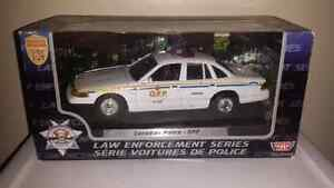 1:24 scale diecast police ford crown victoria