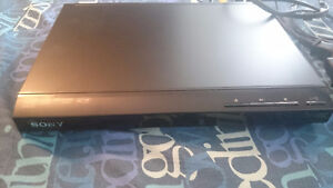 BLACK SONY DVD PLAYER FOR SALE ***