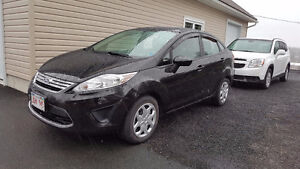 2012 Ford Fiesta SE ONLY 82 KMS!