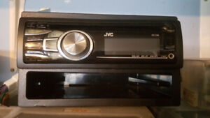 JVC Car Stereo CD Player/Radio. Single/Double Din fitting. 10.00