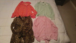 4 women's blouses (small) - 4$ each or 12$ for the lot