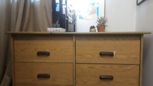Strong Wooden Dressing Table With Big Mirror