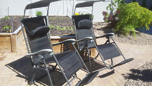 Penticton - Two gravity chairs