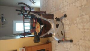 1 velo stationnaire personal trainer.100$ ferme pas nego