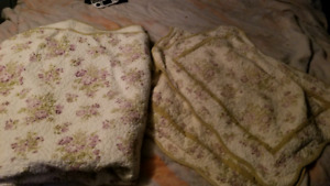 comforter and 2 pillow cases