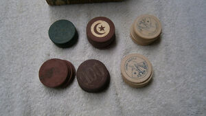 Antique clay poker chips / argile jetons