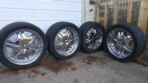 """22"""" Chev 6 bolt truck rims with hardware"""