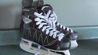 BOYS CCM INTRUDER  ICE SKATES size 3