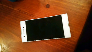 SONY XPERIA Cell Phone FOR SALE