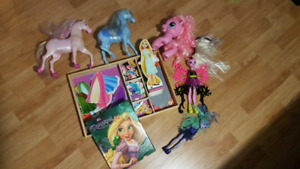 Jouets (Raiponce, Monster High, Pouliche)