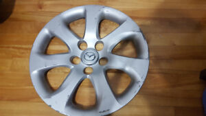 ( 1 ) Enjoliveur ((Cap de Roue )) Mazda 3 2010+ 15'
