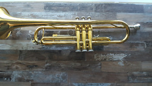 YAMAHA YTR2335 Trumpet Little/No Damage